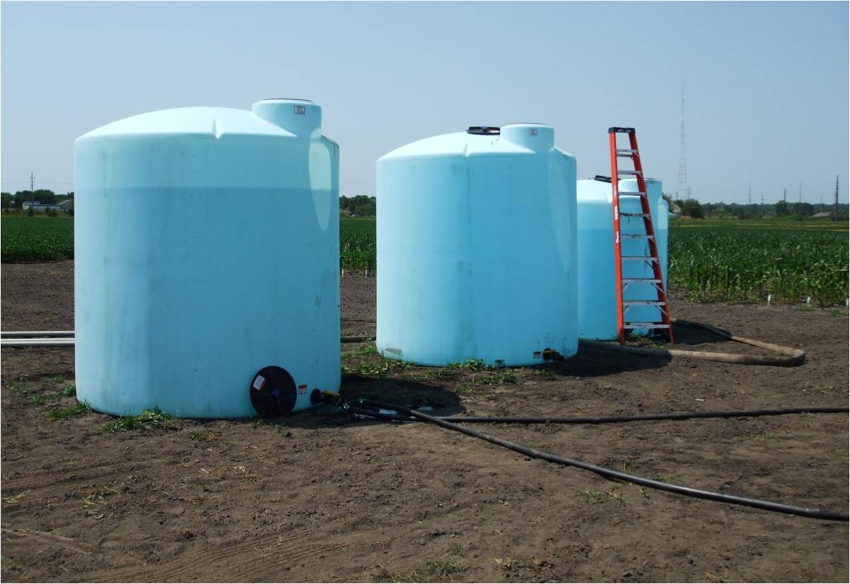 Irrigation tanks
